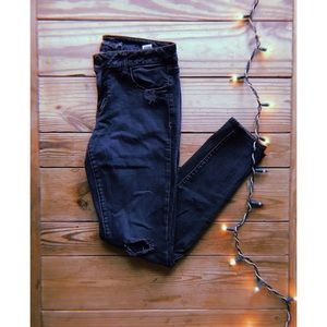 AE Outfitters Charcoal distressed Jegging